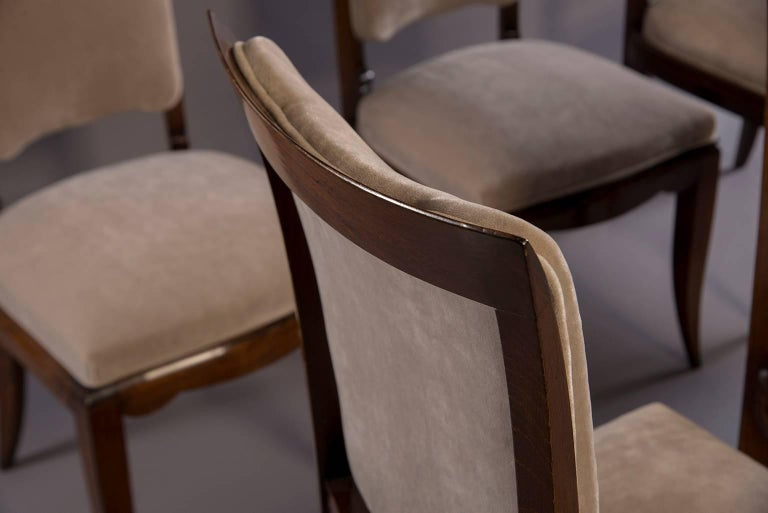 Set of Six Midcentury Italian Polished Walnut Dining Chairs For Sale 2