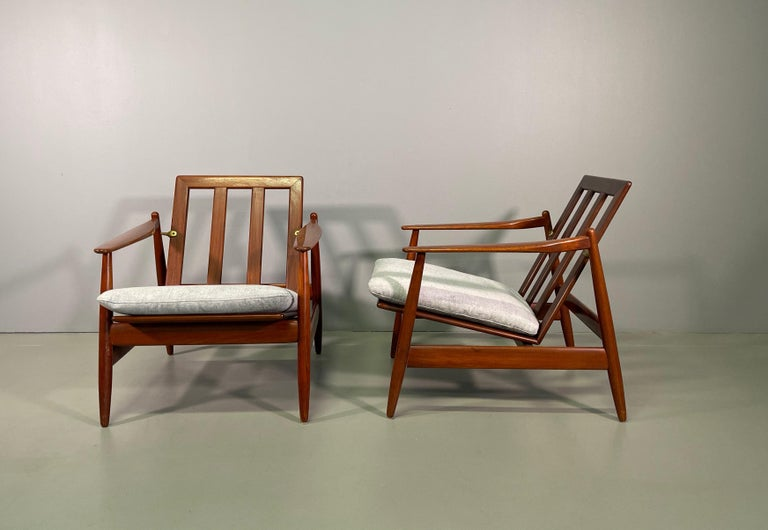 Set Sofa and Pair of Armchair by Hans Olsen, Frem Røjle For Sale 9