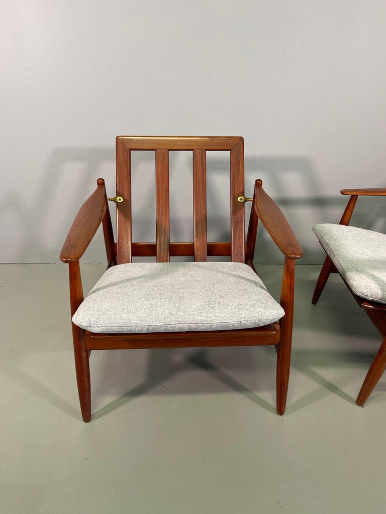 Set Sofa and Pair of Armchair by Hans Olsen, Frem Røjle For Sale 10
