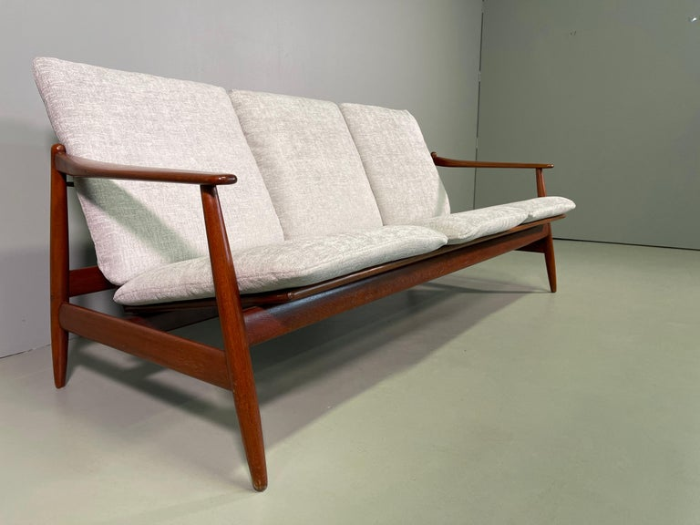 20th Century Set Sofa and Pair of Armchair by Hans Olsen, Frem Røjle For Sale