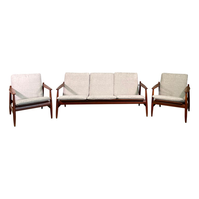 Set Sofa and Pair of Armchair by Hans Olsen, Frem Røjle For Sale