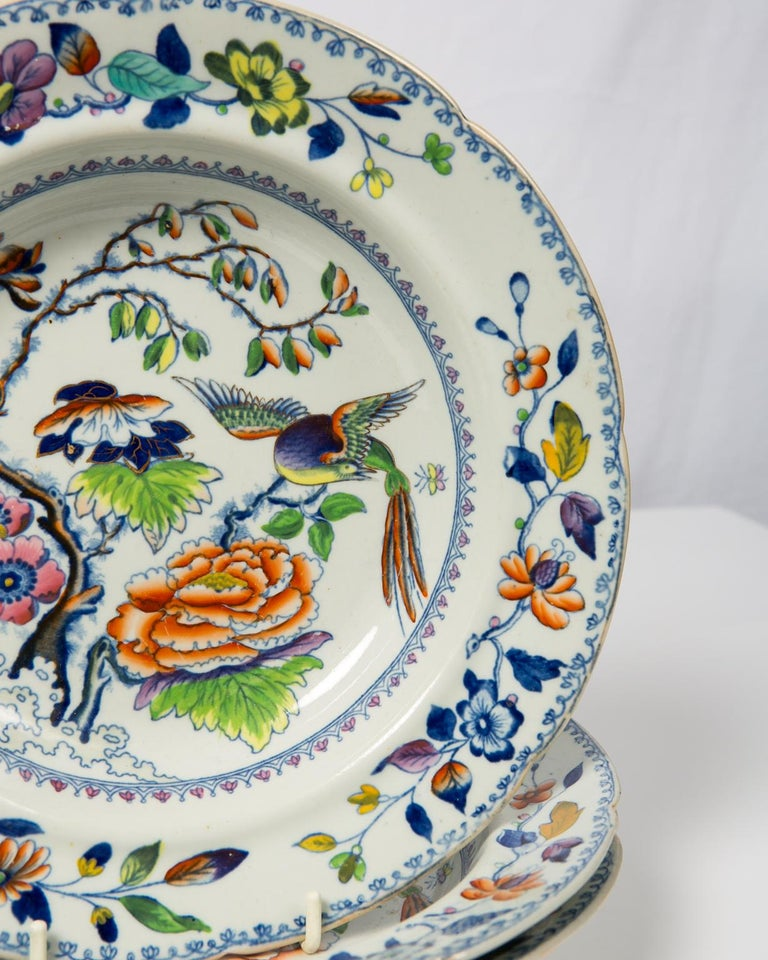 The flying bird pattern features a longtailed bird in flight above a flower filled garden. It is a lively, colorful pattern. This set of a dozen dishes for pasta or soup showcases the exceptional and enduring charm of this chinoiserie design. It is