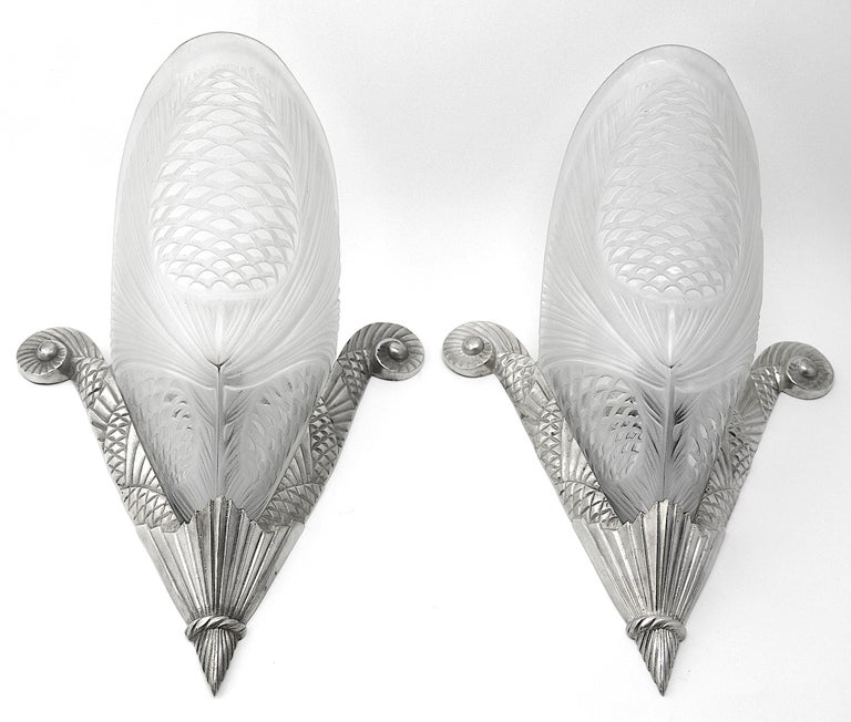 Sevb French Art Deco Pine-cone Chandelier, 1920s, wall sconces available For Sale 4