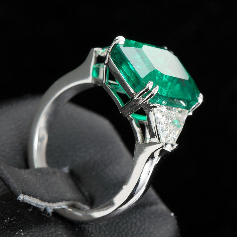 Emerald Cut 7 Carat Colombian Emerald Diamond Engagement Ring For Sale