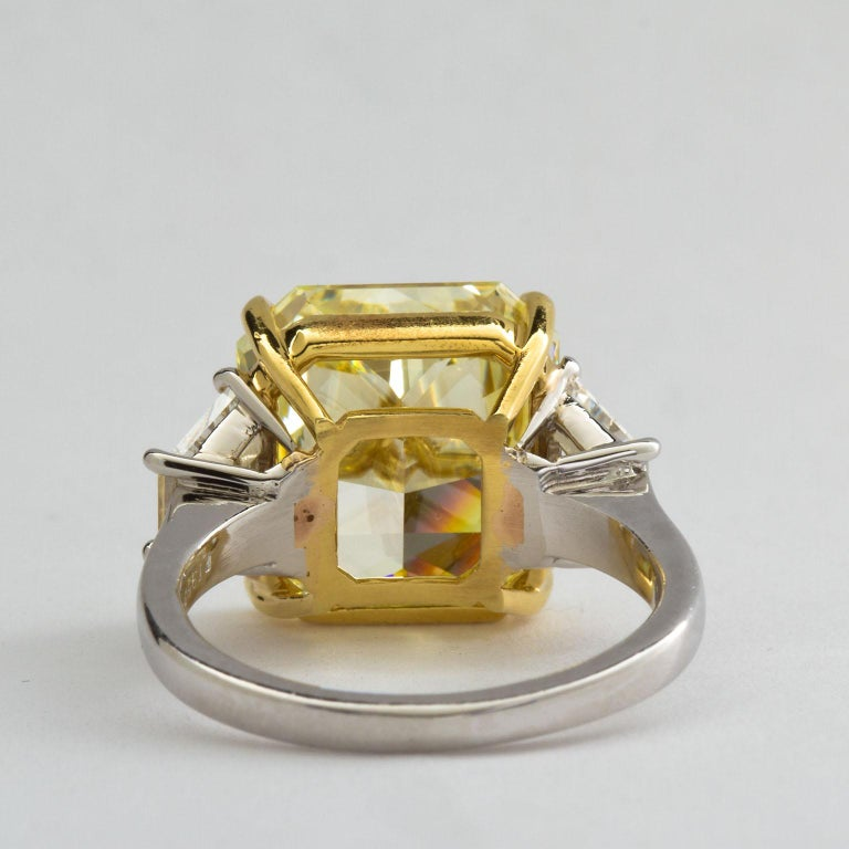 7 Carat Fancy Yellow Radiant Cut Diamond Engagement Ring GIA For Sale 1