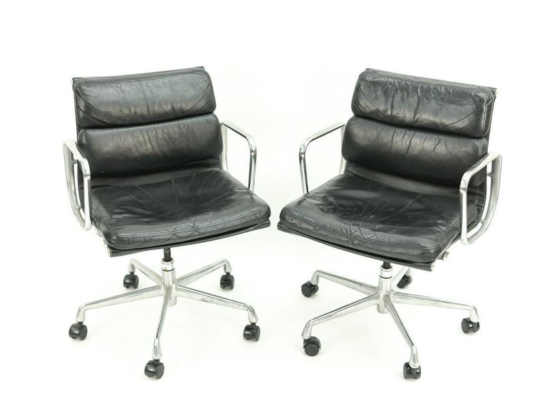 Seven Herman Miller Soft Pad Office Chairs In Good Condition For Sale In Los Angeles, CA
