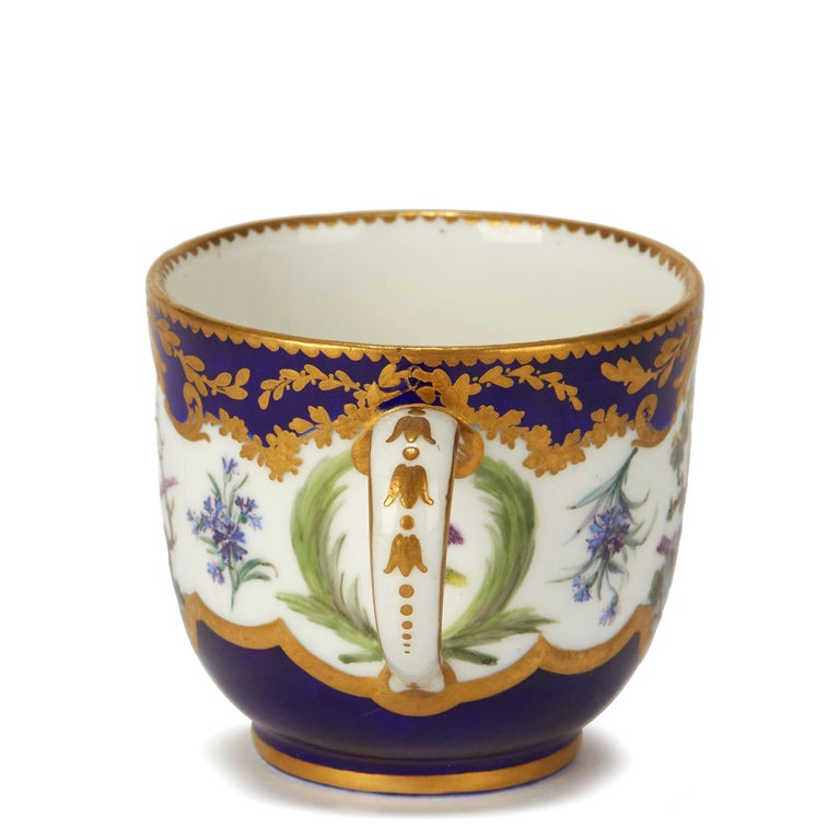 Mid-18th Century Sèvres French Porcelain Hand Painted and Gilded Teacup, circa 1752 For Sale