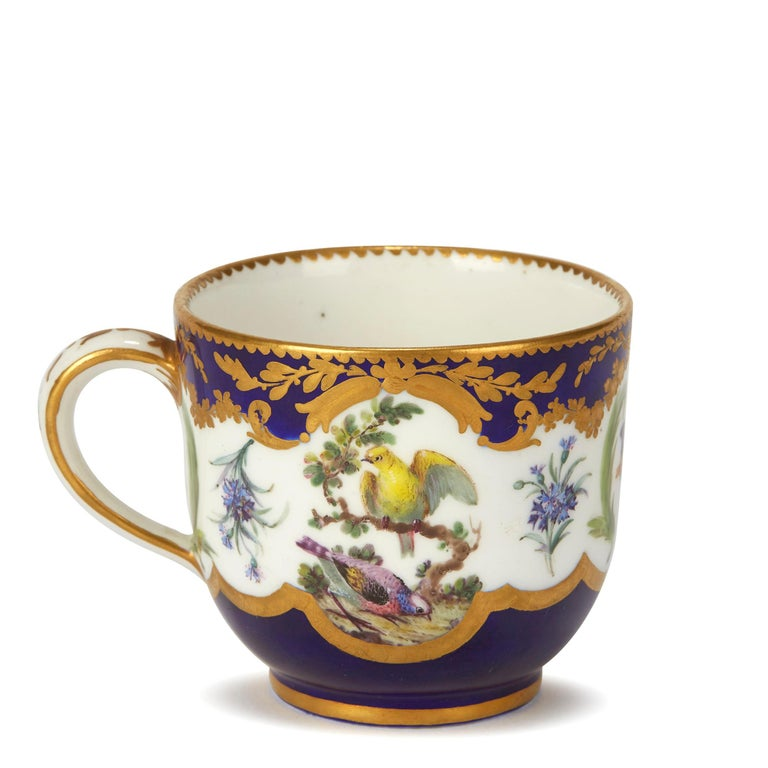 Sèvres French Porcelain Hand Painted and Gilded Teacup, circa 1752 For Sale 1