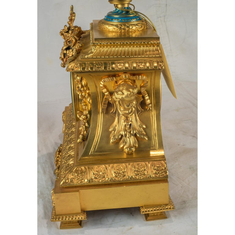Sèvres-Style Gilt Bronze Mounted Porcelain Mantel Clock In Good Condition For Sale In New York, NY