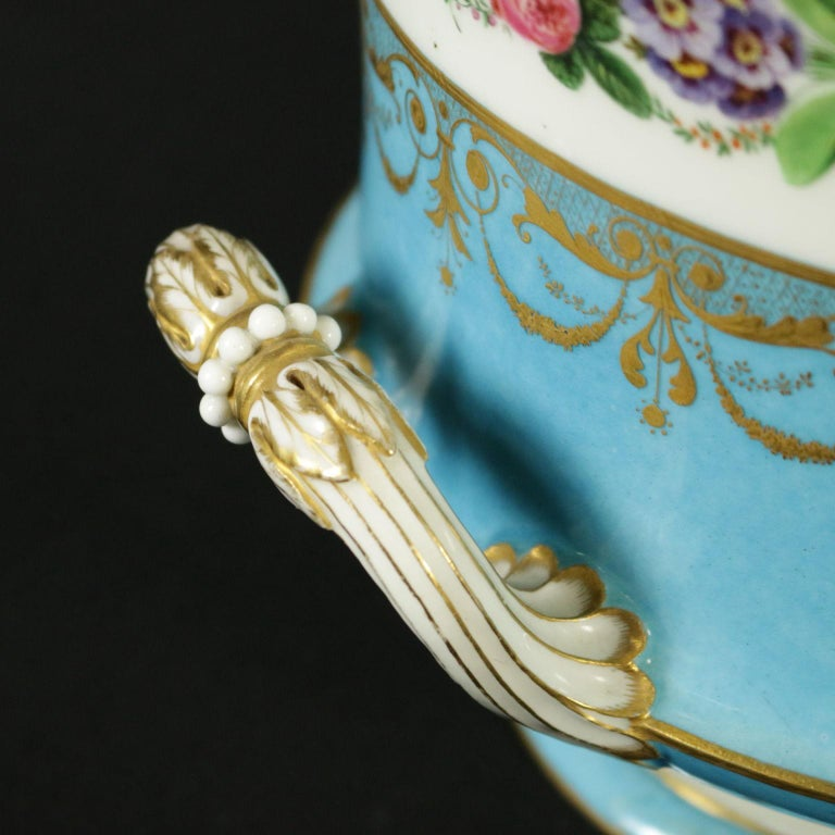 French Sèvres Vase Gold and Porcelain, France, 18th Century For Sale