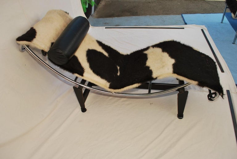 French Sexy 1960s Chaise Lounge LC4 by Le Corbusier For Sale