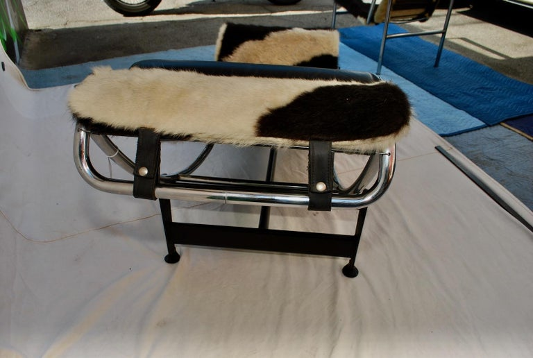 Sexy 1960s Chaise Lounge LC4 by Le Corbusier In Good Condition For Sale In Los Angeles, CA
