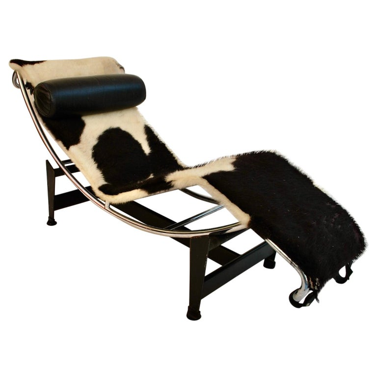 Sexy 1960s Chaise Lounge LC4 by Le Corbusier For Sale