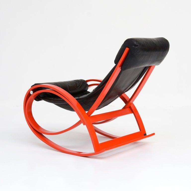 Modern Sgarsul Rocking Chair by Gae Aulenti for Poltronova For Sale
