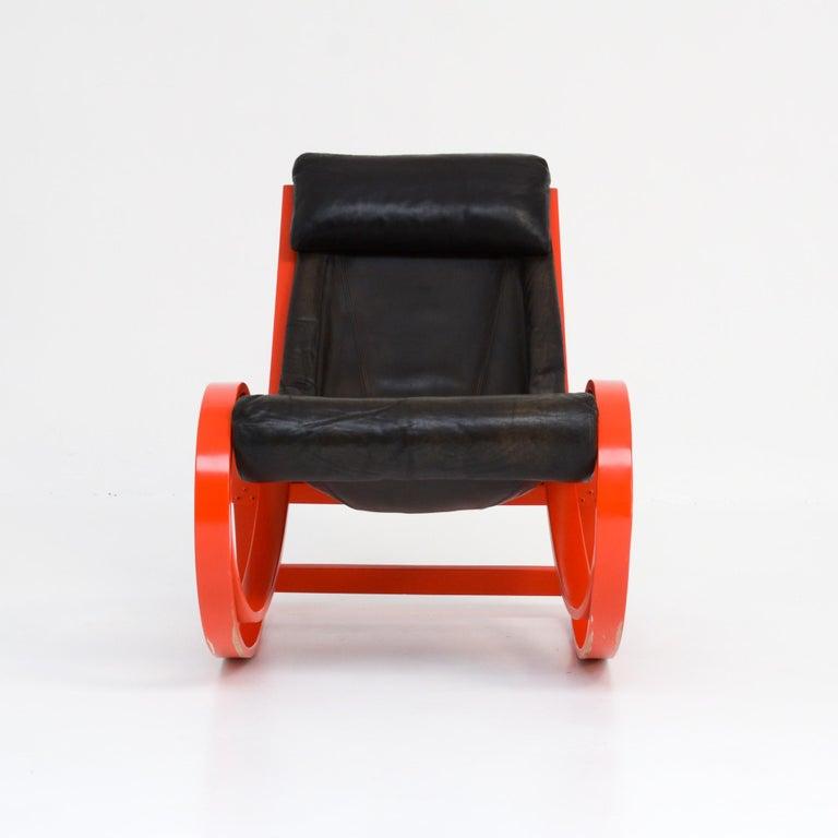 European Sgarsul Rocking Chair by Gae Aulenti for Poltronova For Sale