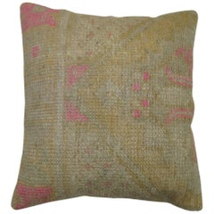 Shabby Chic Oushak Rug White and Pink Pillow
