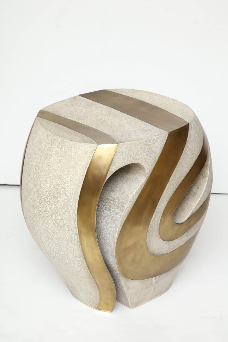 Shagreen Stool with Brass Details, Cream Shagreen, Organic Shape, in Stock In New Condition For Sale In New York, NY