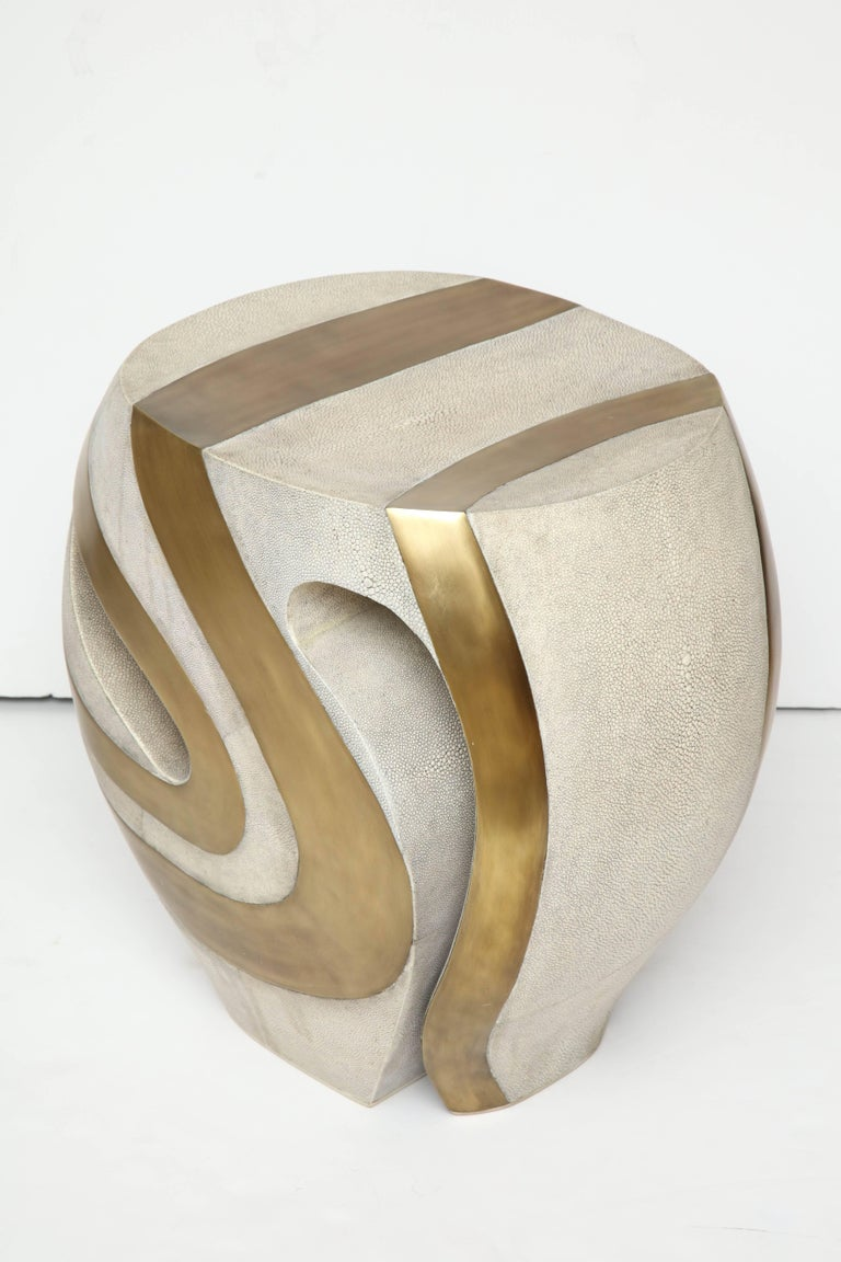 Contemporary Shagreen Stool with Brass Details, Cream Shagreen, Organic Shape, in Stock For Sale