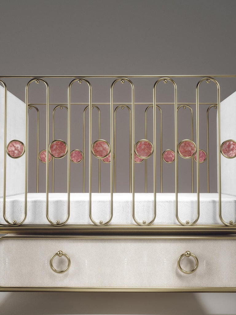 Shagreen Baby Crib with Brass Accents by Kifu Paris In New Condition For Sale In New York, NY