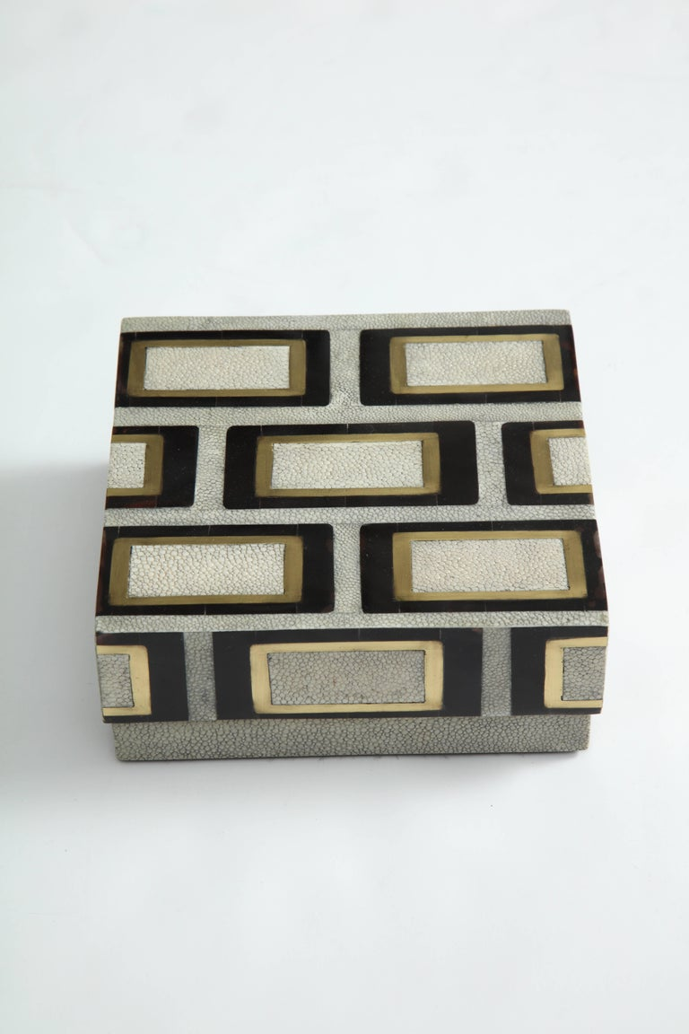 Decorative box made of shagreen, bronze and palm wood.