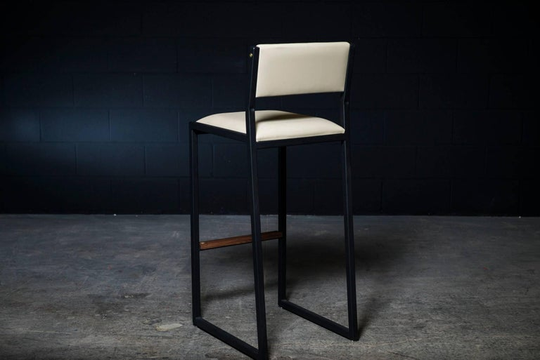 Shaker Barstool Chair by Ambrozia, Walnut, Black Steel, Cream Premium Vinyl In New Condition For Sale In Drummondville, Quebec