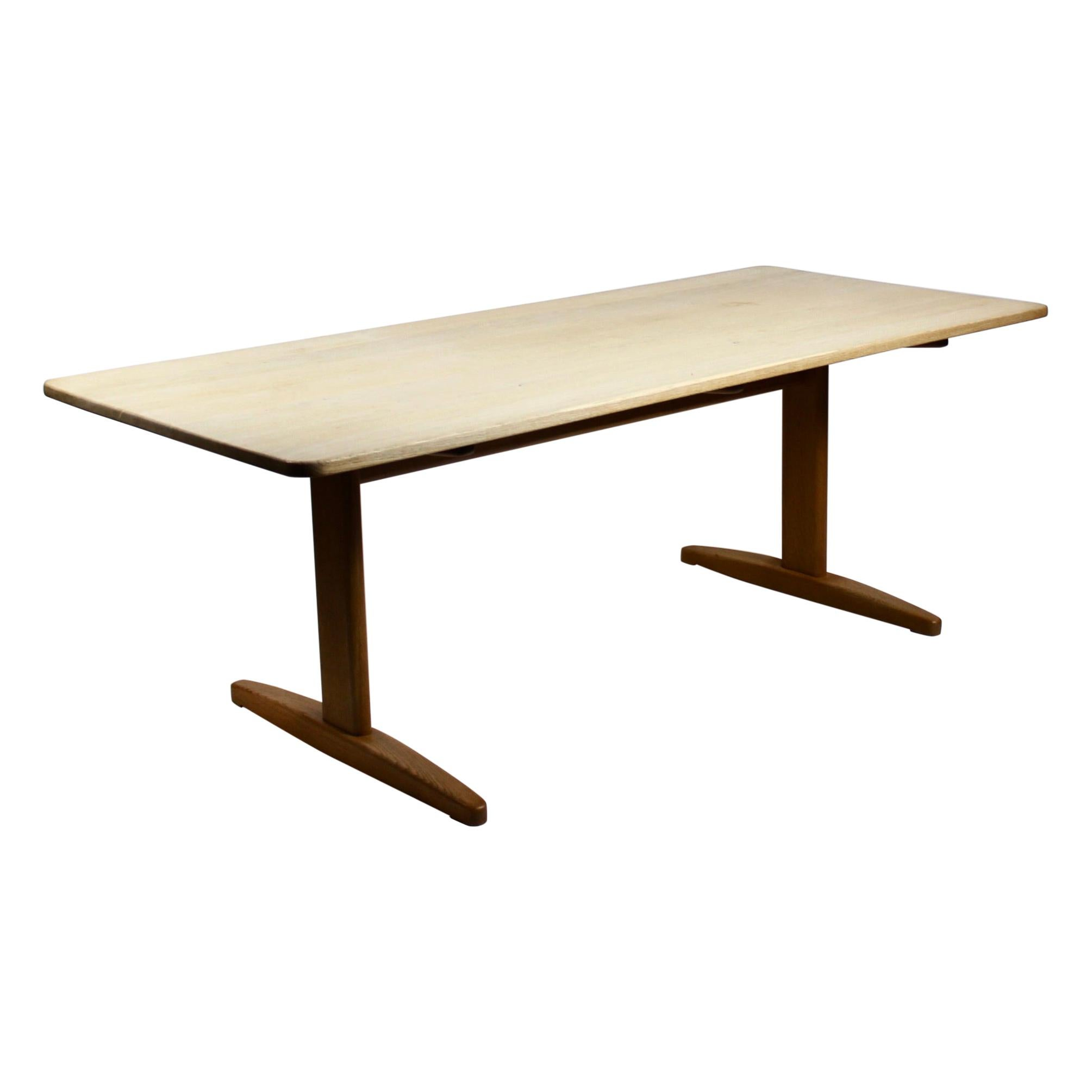 Shaker Dining Table, Model C18, of Soap Treated Oak Designed by Børge Mogensen