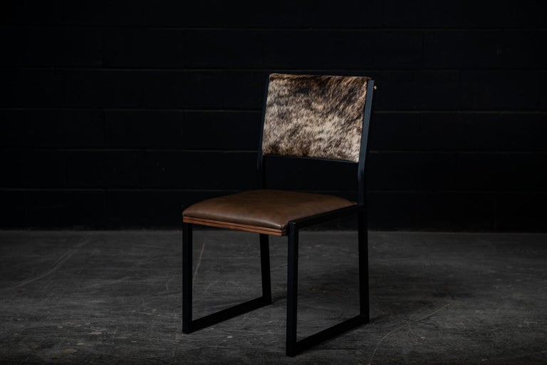 Shaker Modern Chair by Ambrozia, Walnut, Brown Leather, light brown brindle hide In New Condition For Sale In Drummondville, Quebec