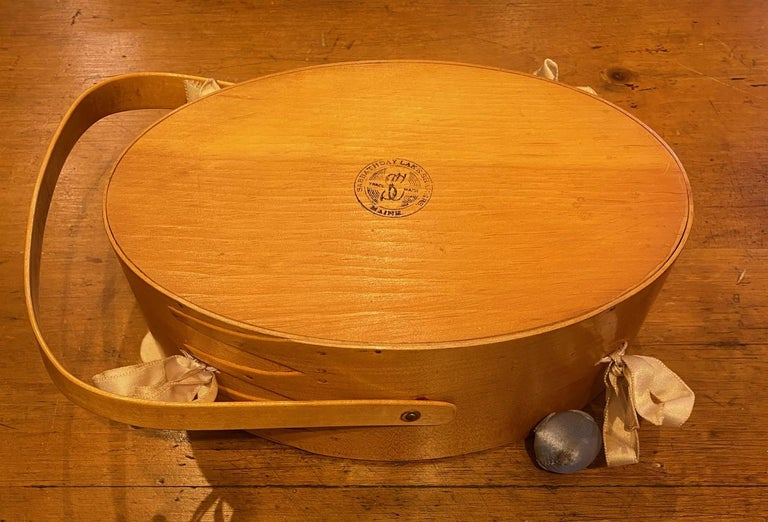 Early 20th Century Shaker Sewing Basket For Sale 2