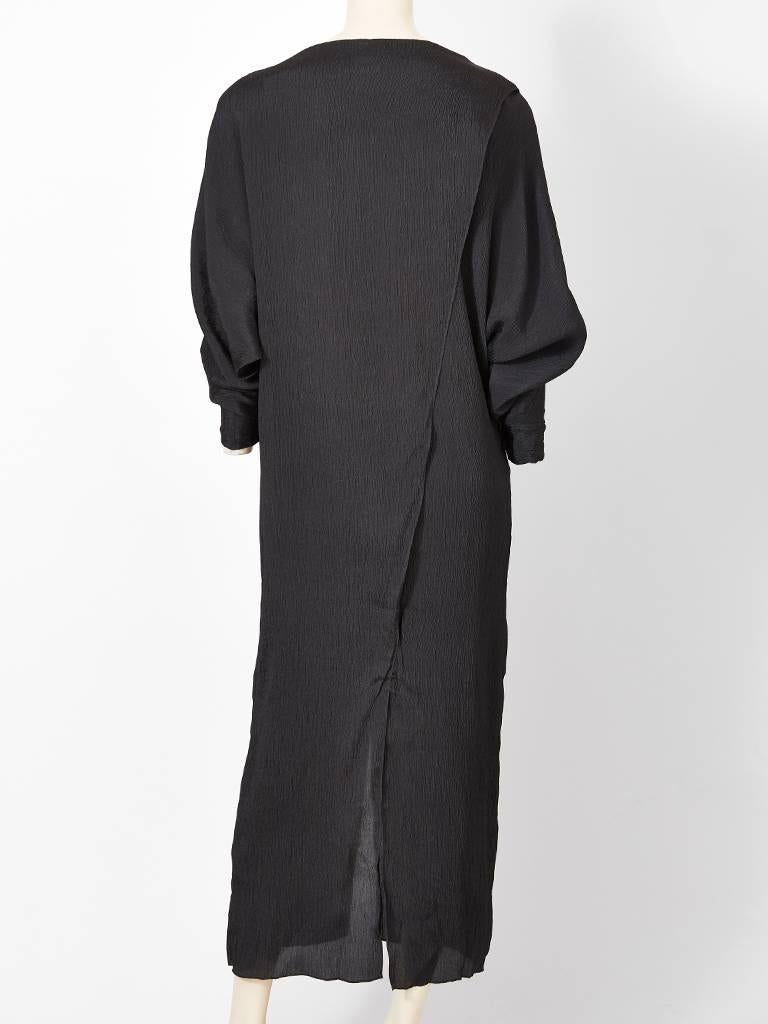 Shamask Silk Plissé Sheath In Excellent Condition For Sale In New York, NY