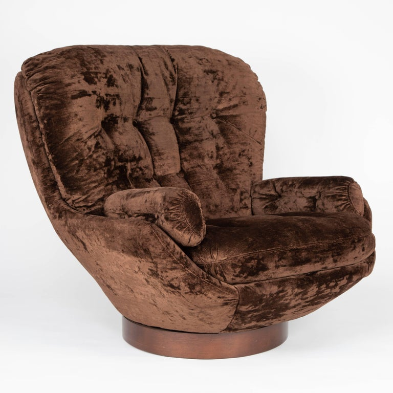 Shapely Selig Lounge Chair And Ottoman Circa 1970s At 1stdibs