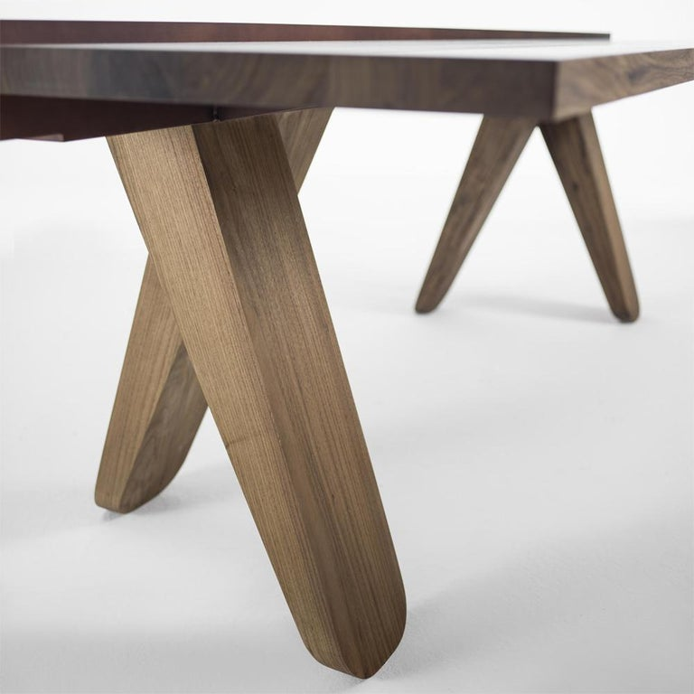 Sharing Dining Table in solid Walnut Wood In New Condition For Sale In Paris, FR