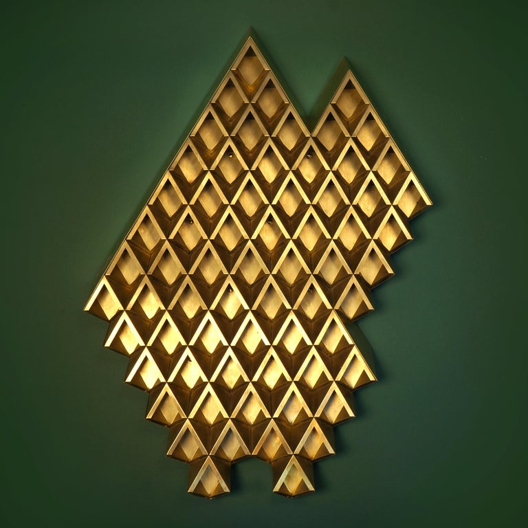 Sharp Diamond Light Brass Sconce in Triangle and Customizable Configurations 3