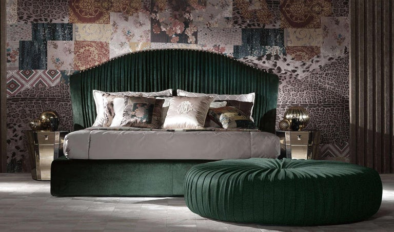 Bed structure in poplar wood and foam. Upholstery in fabric CAT. C velvet George COL. 23 green. Decorative spheres in brushed dark bronze finishing. Wodden slat included. Mattress and badcover set not included. Additional decorative cushions upon
