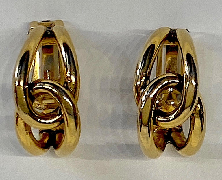 Sharra Pagano 1980s Gold Hoop Earrings For Sale 5