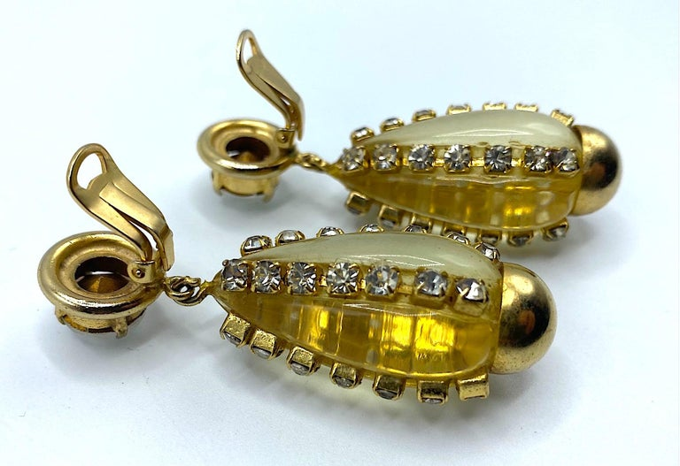 Sharra Pagano, Italy 1980s Gold, Rhinestone & Lucite Pendant Earrings For Sale 6