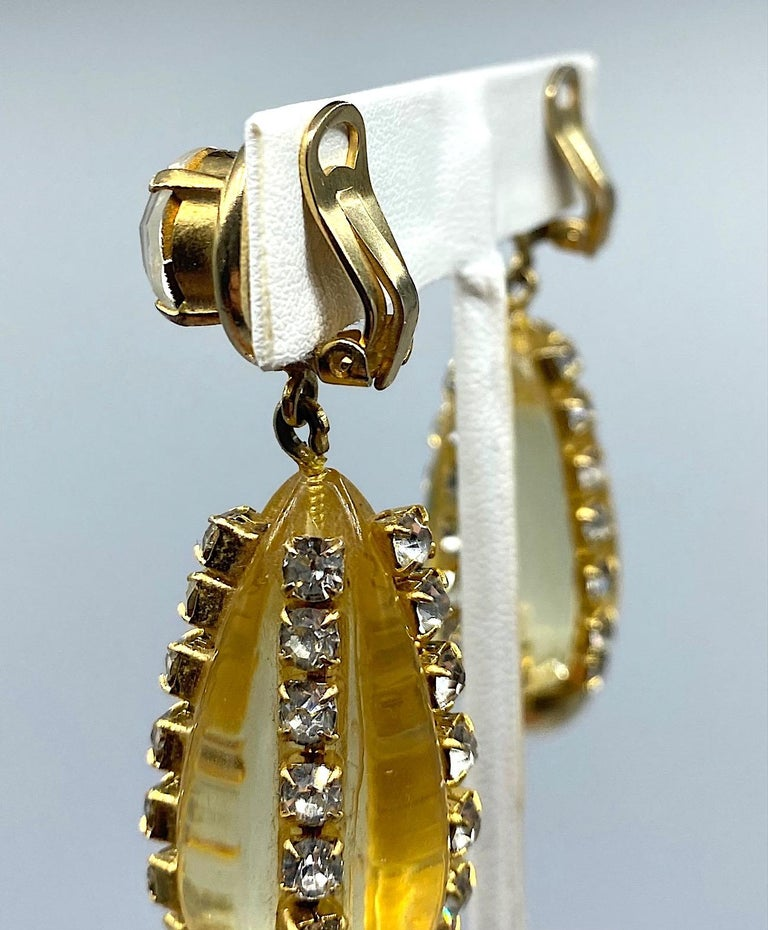Sharra Pagano, Italy 1980s Gold, Rhinestone & Lucite Pendant Earrings For Sale 2