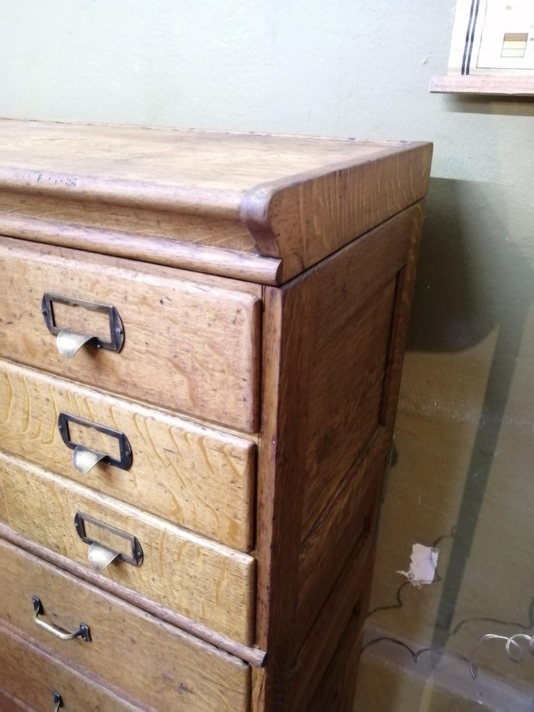 Shaw Walker Oak Stacking Cabinet with Drawers In Good Condition For Sale In Mexico City, MX