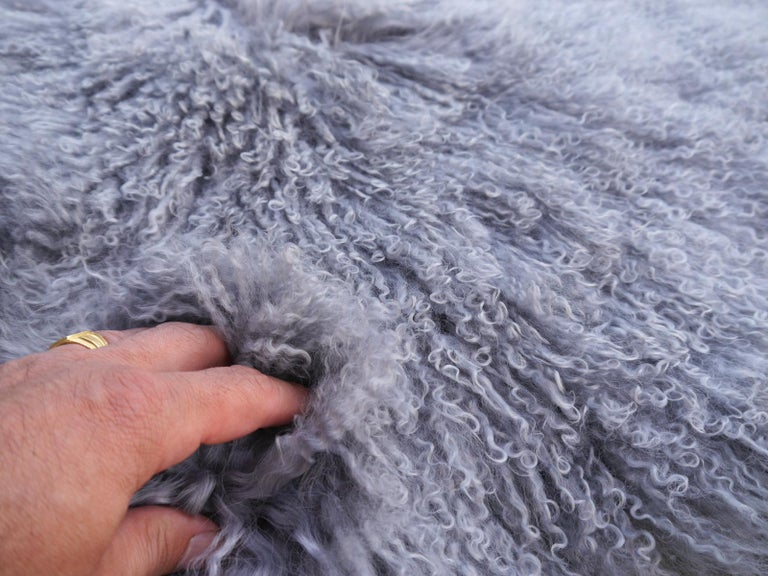 Sheep Skin Rug Tibetan Mongolian Long Hair curley hide In New Condition For Sale In Lohr, Bavaria, DE