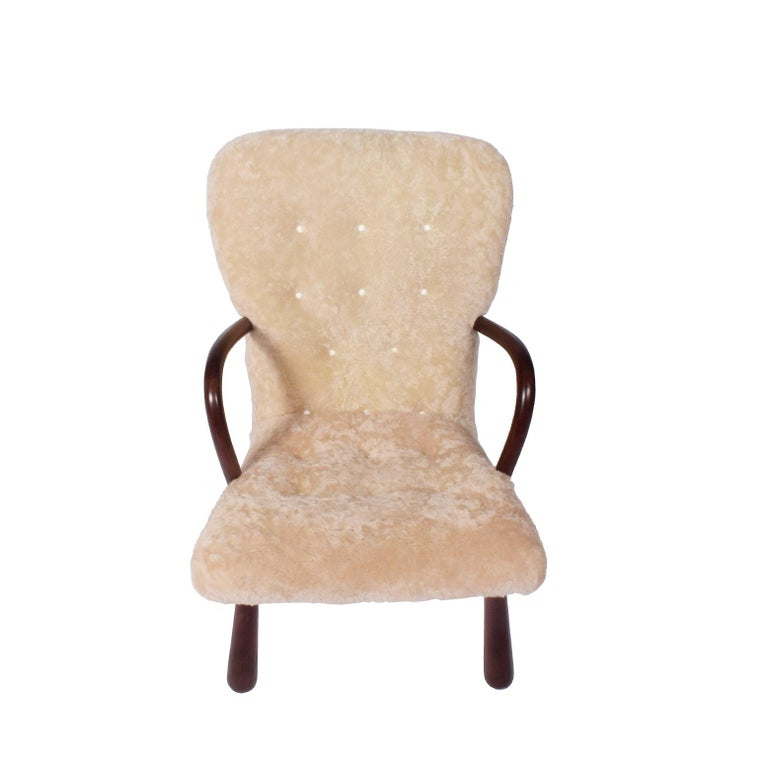 Sheepskin 'Clam' Easy Chair Attributed to Philip Arctander In Good Condition For Sale In Dallas, TX