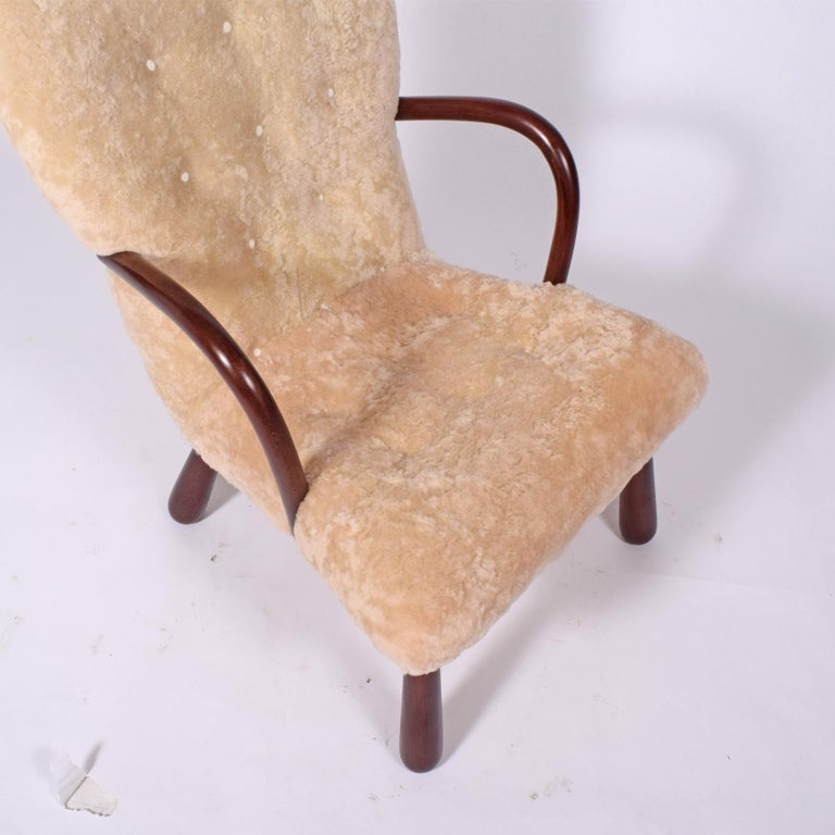 Sheepskin 'Clam' Easy Chair Attributed to Philip Arctander For Sale 1
