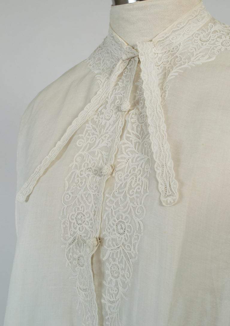 Women's Sheer Edwardian Crewel Work Neckcloth Dickey, 1910s For Sale