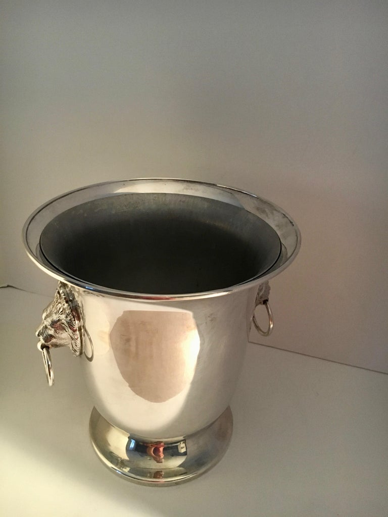 Sheffield Silver Plate Champagne Bucket with Lion Head Handles For Sale 4