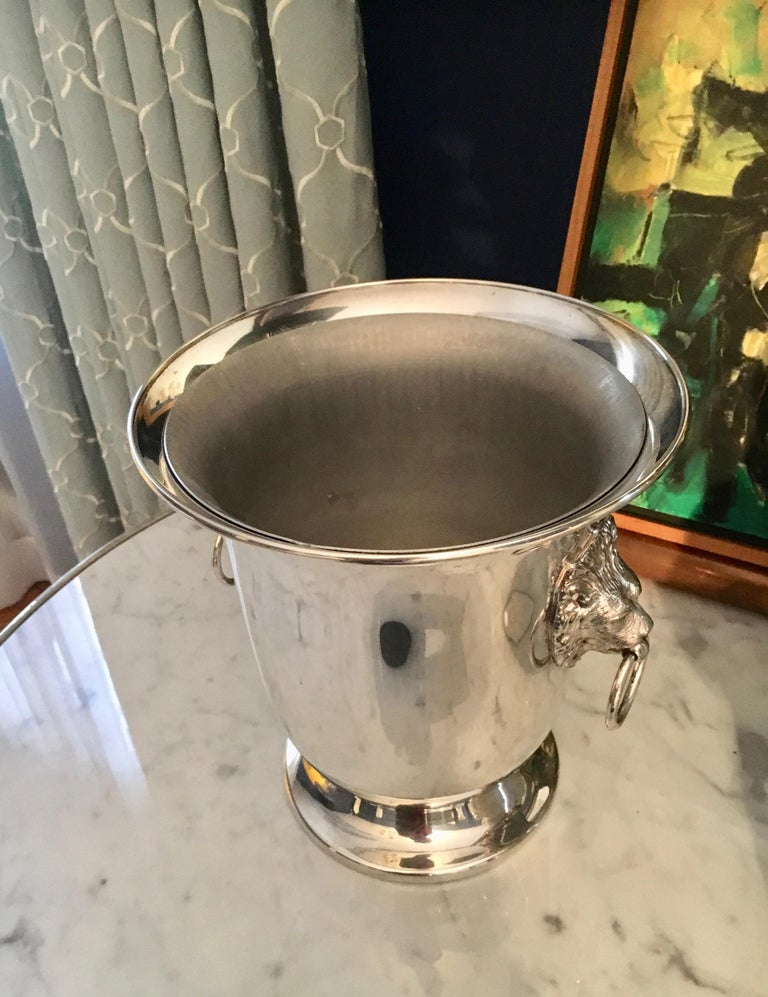 Sheffield Silver Plate Champagne Bucket with Lion Head Handles For Sale 5