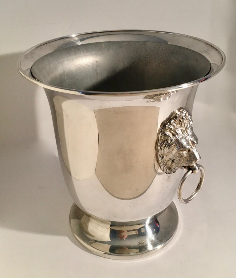 20th Century Sheffield Silver Plate Champagne Bucket with Lion Head Handles For Sale