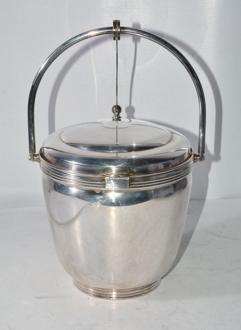 American Sheffield Silver Plate Lidded Ice Bucket, USA For Sale