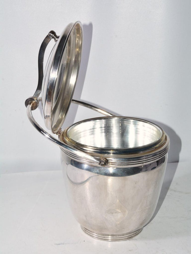 Sheffield Silver Plate Lidded Ice Bucket, USA In Good Condition For Sale In Great Barrington, MA
