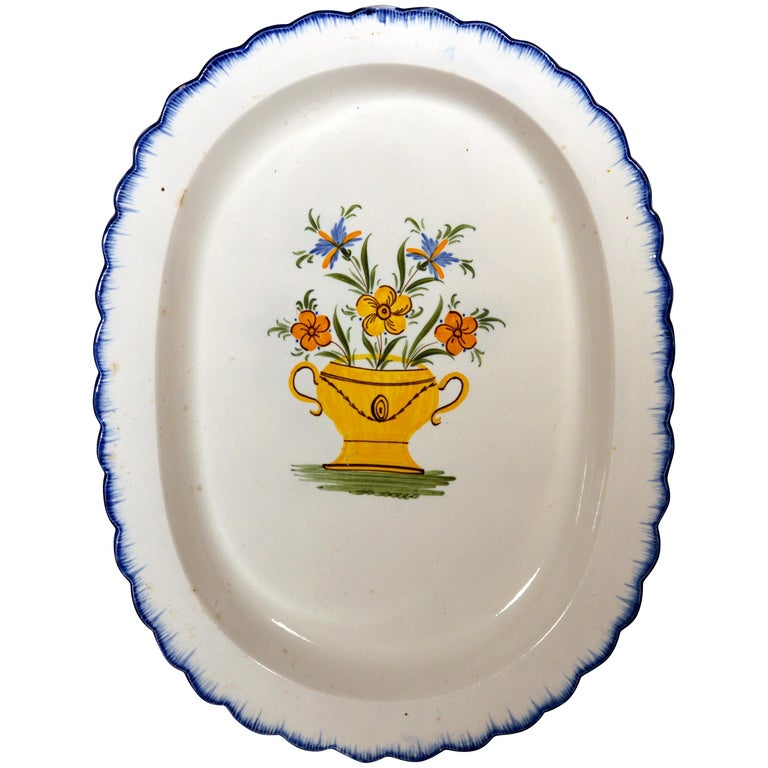 Shell-Edge Prattware Oval Dish Painted with an Urn of Flowers, 1800-1820 For Sale