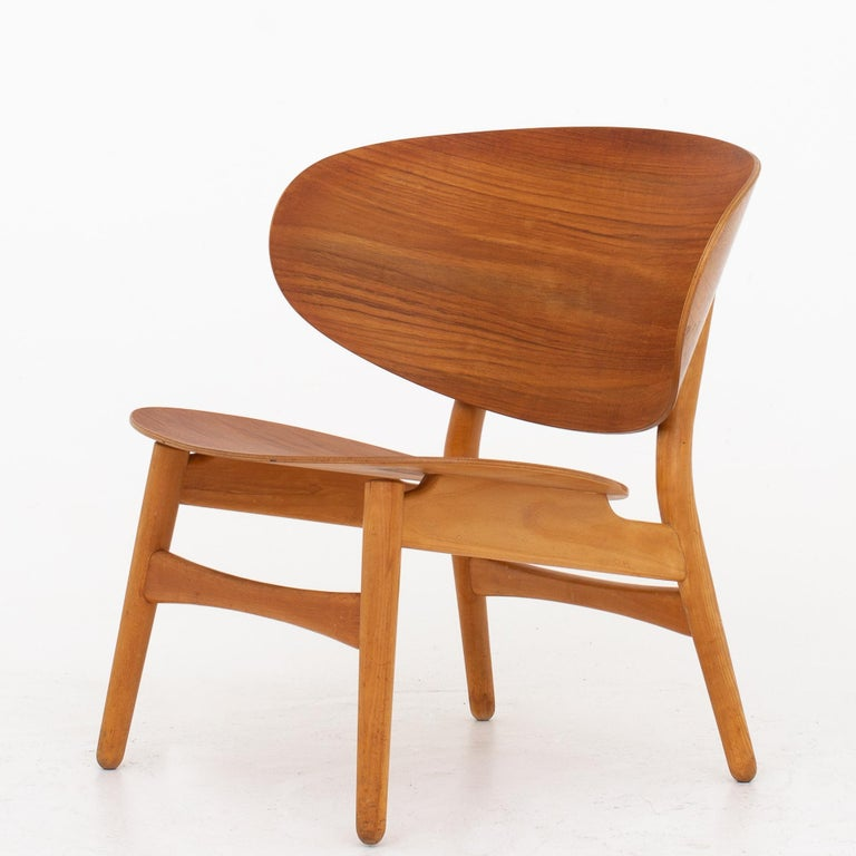 FH 1935, 1936 & 1937 - Shell-set consisting of sofa, easy chair and table. The set is made of teak and beech. Rarely seen set. Design 1948. Maker Fritz Hansen.