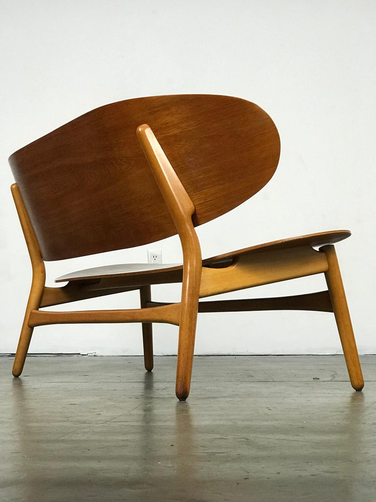 Mid-20th Century Shell Settee Bench by Hans Wegner for Fritz Hansen For Sale