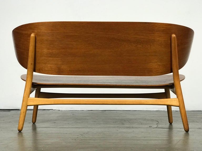 Beech Shell Settee Bench by Hans Wegner for Fritz Hansen For Sale